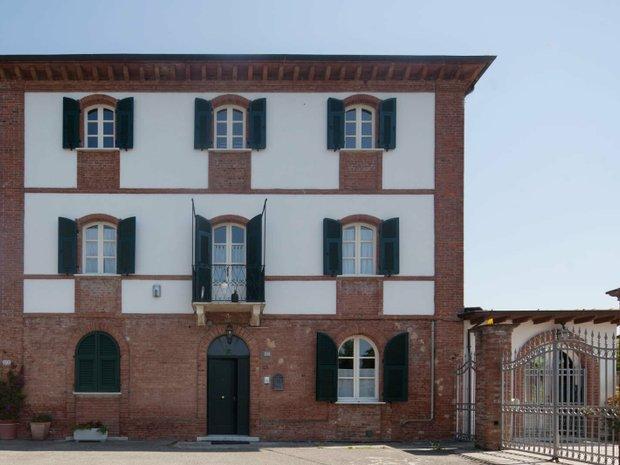 Villa in Castelnuovo Magra, Liguria, Italy 1
