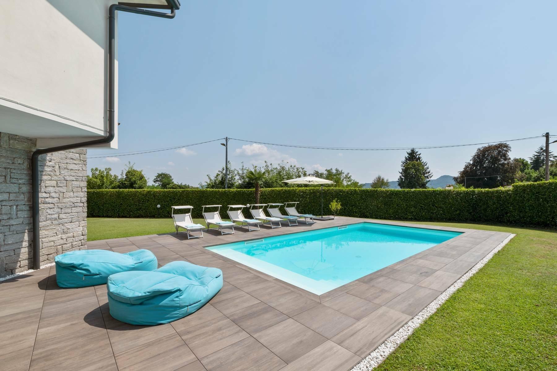 House in Lesa, Piedmont, Italy 1
