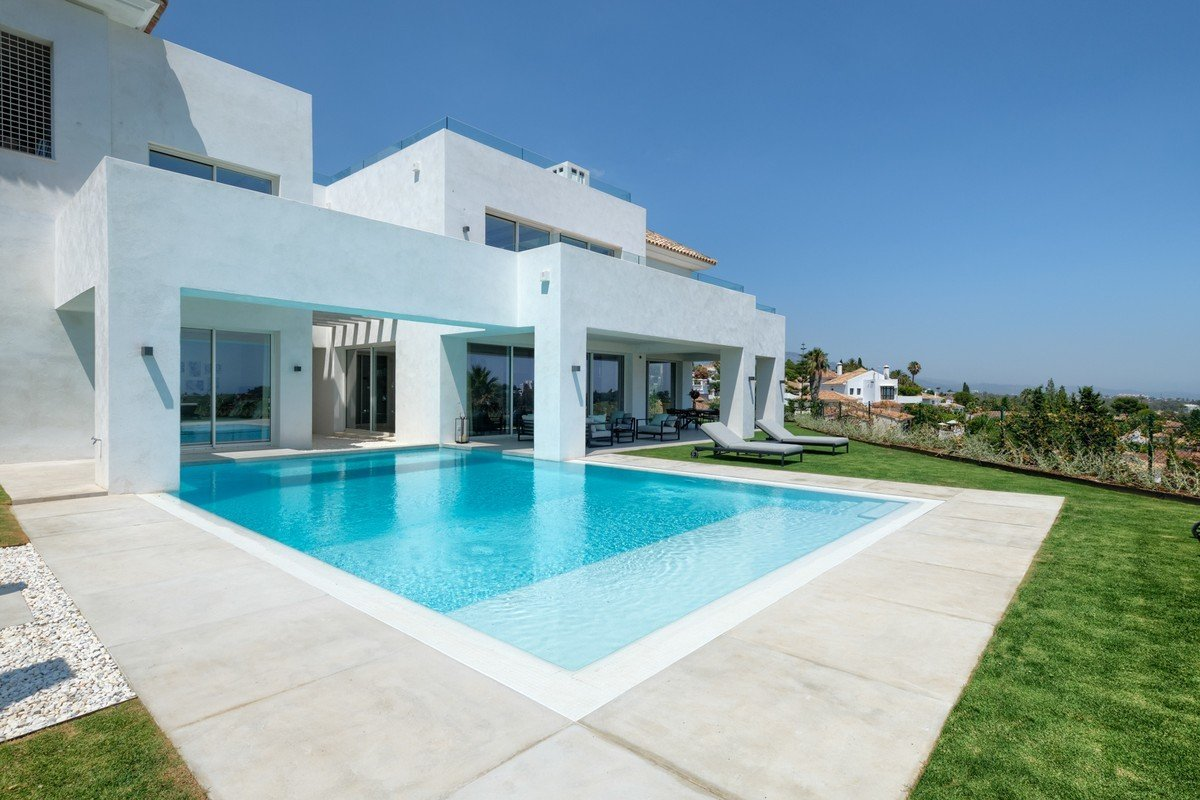 House in El Paraíso, Andalusia, Spain 1