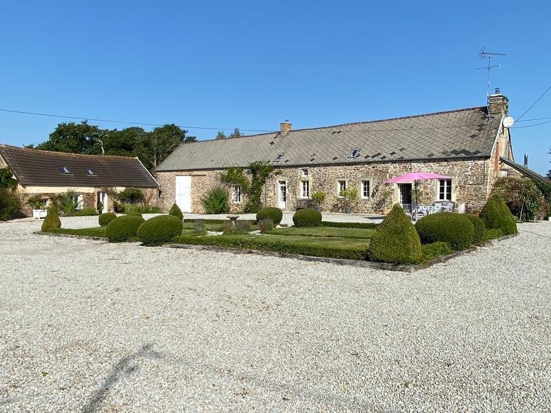 Farm Ranch in Saint-Sauveur-le-Vicomte, Normandy, France 1