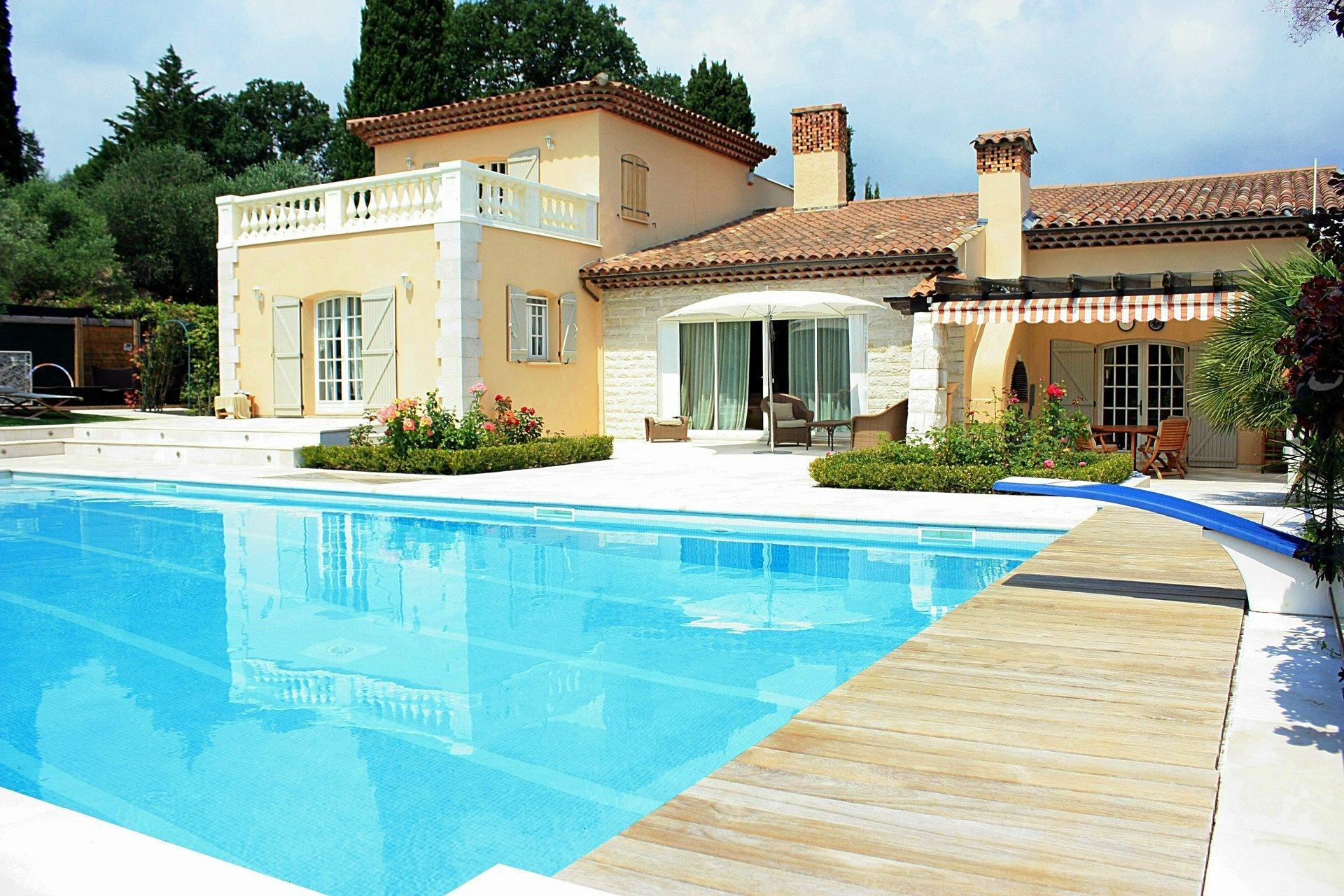 Villa in Biot, Provence-Alpes-Côte d'Azur, France 1 - 11075448