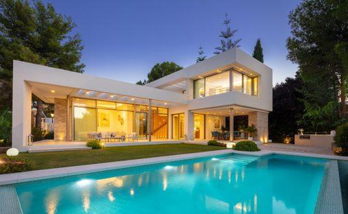 Villa in Nueva Andalucía, Andalucía, Spain