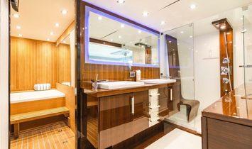 Lazzara Yachts LSX 92