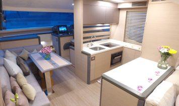 Monte Carlo Yachts Flybridge
