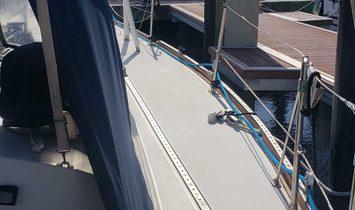 Sabre Sailing Sloop