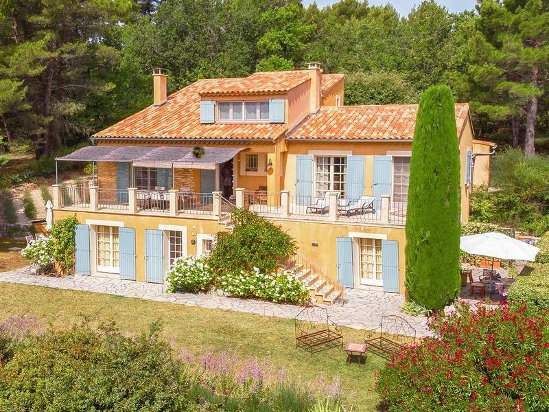 Villa in Saint-Saturnin-lès-Apt, Provence-Alpes-Côte d'Azur, France 1
