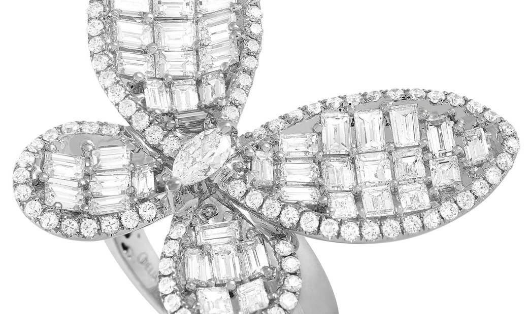 LB Exclusive LB Exclusive 18K White Gold 3.84 ct Diamond Butterfly Ring
