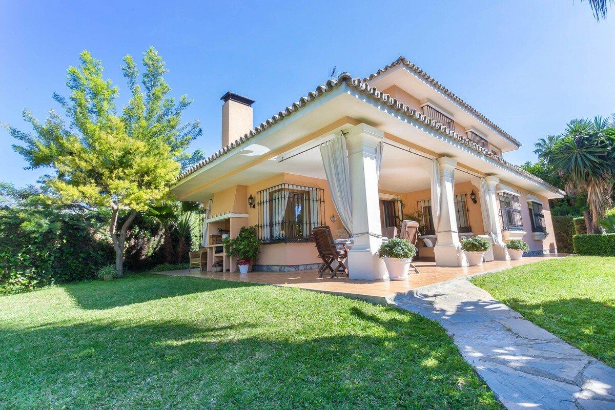 Villa in Marbella, Andalusia, Spain 1 - 11084077