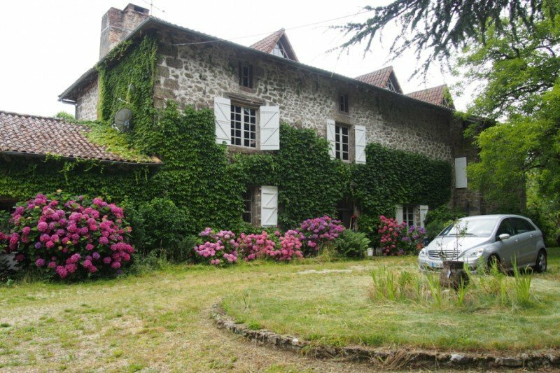 House in Marval, Nouvelle-Aquitaine, France 1