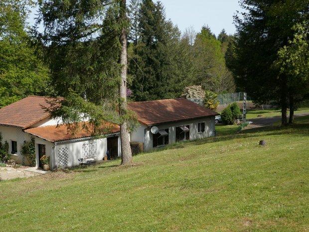 House in Maisonnais-sur-Tardoire, Nouvelle-Aquitaine, France 1