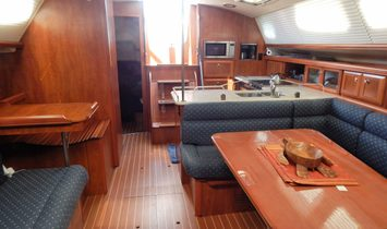 Hunter Deck Salon