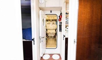 Lazzara Yachts Motor Yacht