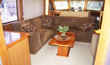 Hatteras 53 Motor Yacht Fisher