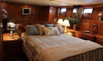 Ocean Alexander 548 Pilothouse