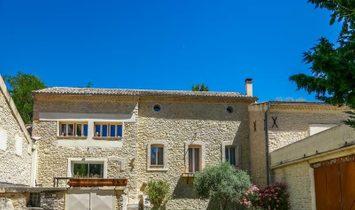 Villa in L'Isle-sur-la-Sorgue, Provence-Alpes-Côte d'Azur, France 1
