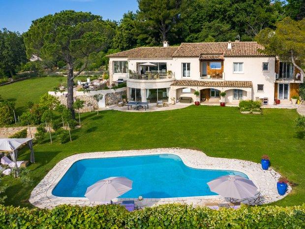 Villa in Châteauneuf, Provence-Alpes-Côte d'Azur, France 1