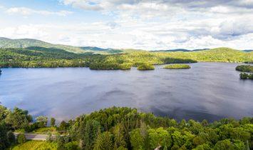 Land in Mont-Tremblant, Québec, Kanada 1