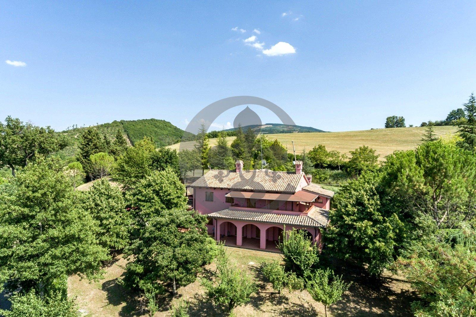 Villa in Fermignano, Marche, Italy 1