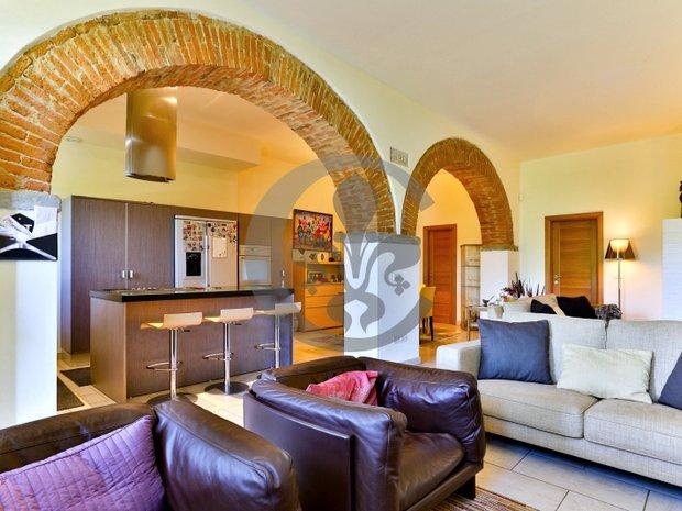 Villa in Polcanto, Tuscany, Italy 1