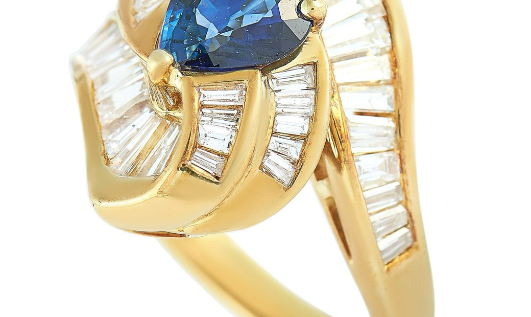 LB Exclusive LB Exclusive 18K Yellow Gold 1.28 ct Diamond and Sapphire Ring