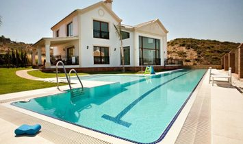Villa en Las Lagunas de Mijas, Andalucía, España 1