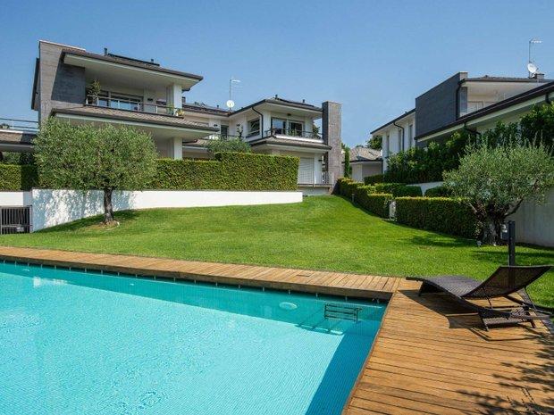 Apartment in Padenghe sul Garda, Lombardy, Italy 1