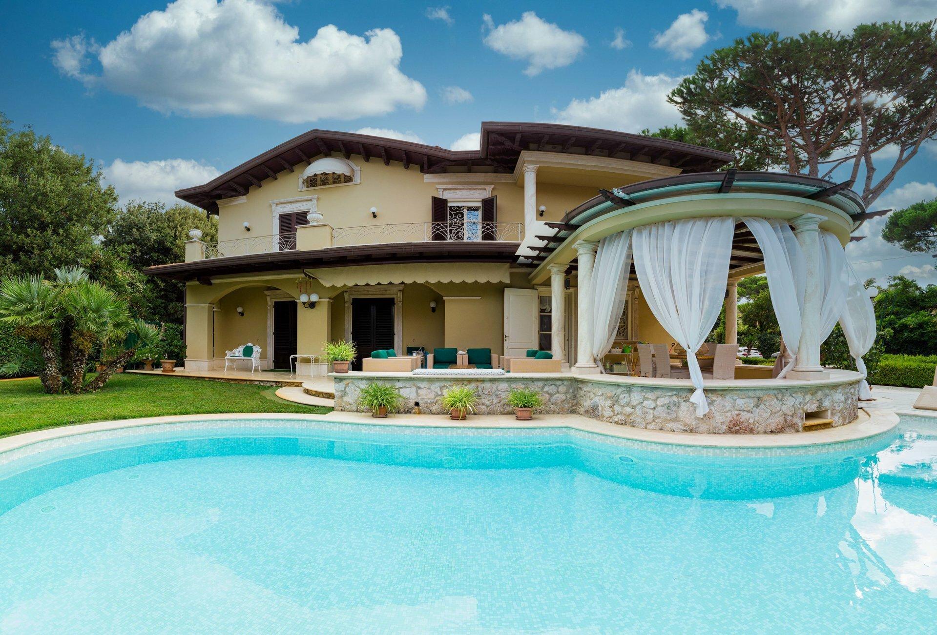 Villa in Forte dei Marmi, Tuscany, Italy 1