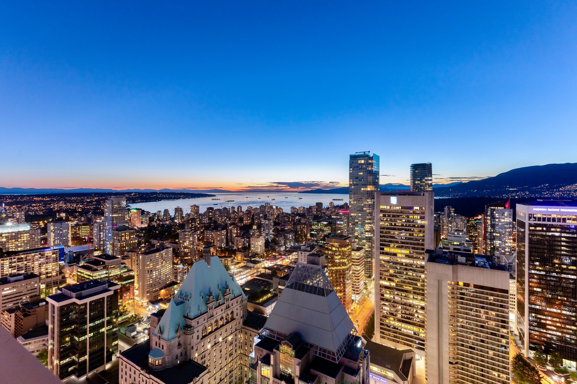 Penthouse in Vancouver, British Columbia, Canada 1 - 10760097