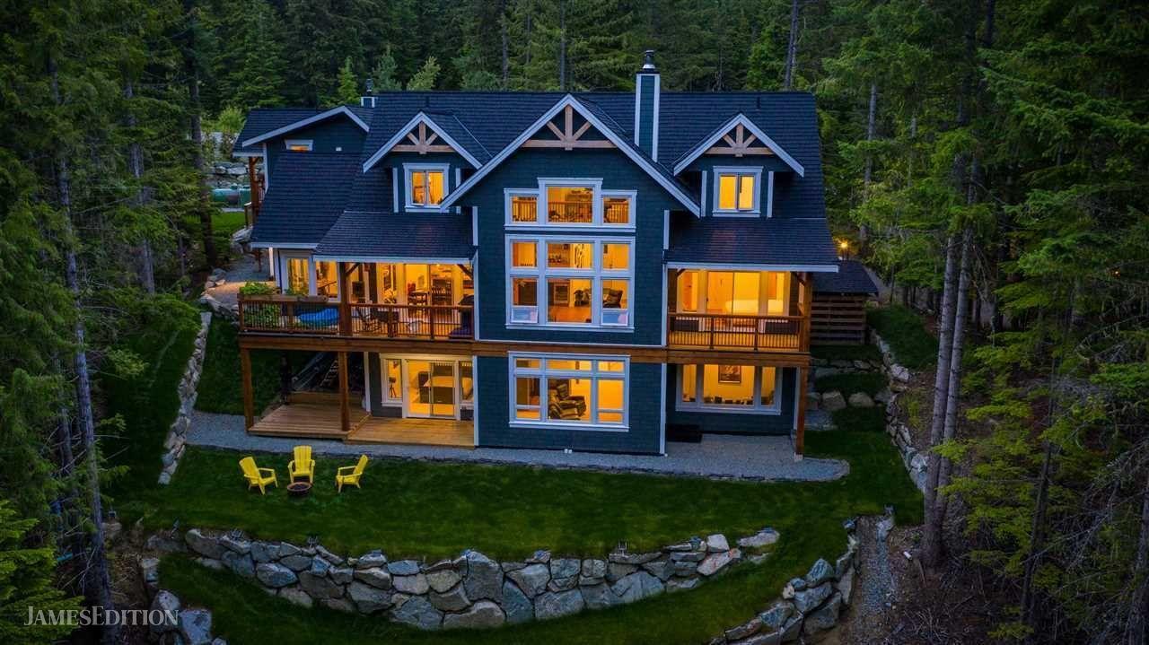 House in British Columbia, Canada 1