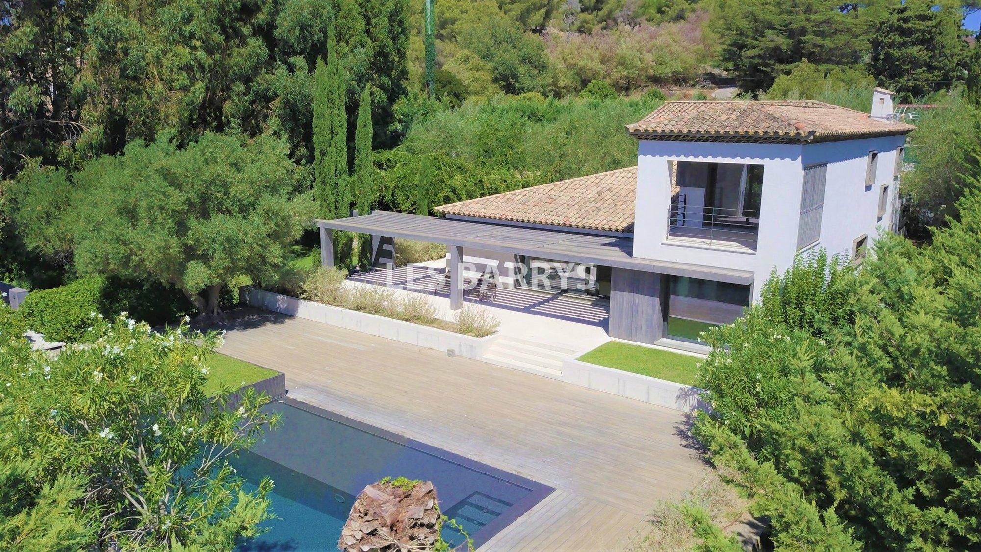 Villa in Saint-Tropez, Provence-Alpes-Côte d'Azur, France 1 - 11104739