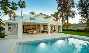 Villa in Nueva Andalucía, Andalusien, Spanien 1