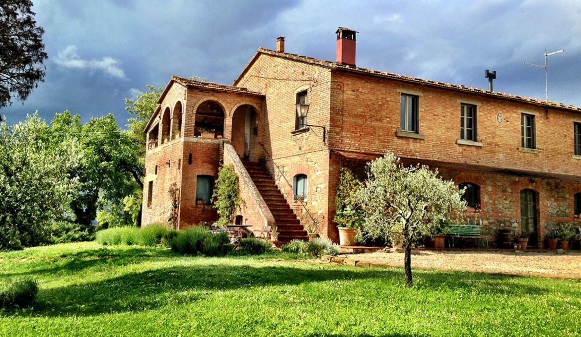 Country House in Chiusi, Tuscany, Italy 1