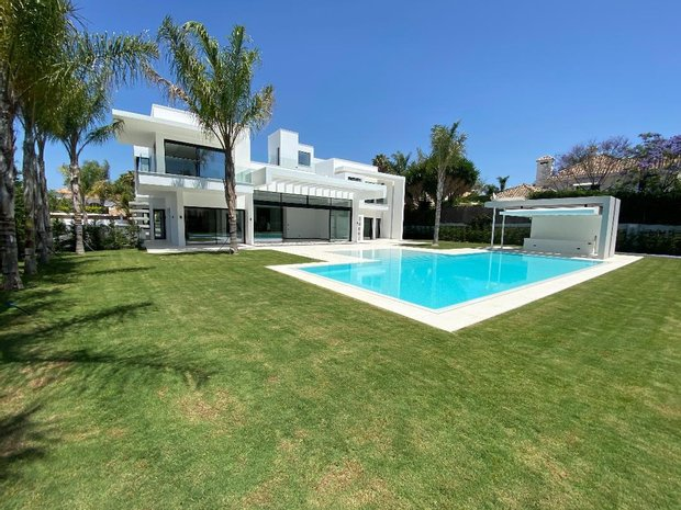 Огромная вилла недвижимость во франции продажа