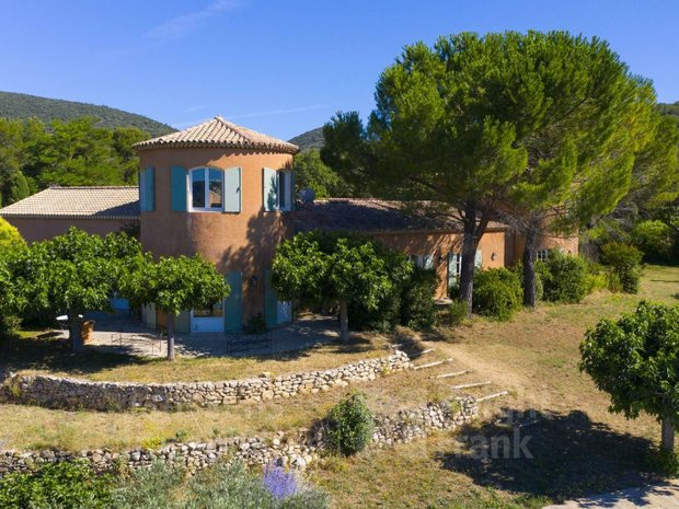 Villa in Mirabeau, Provence-Alpes-Côte d'Azur, France 1