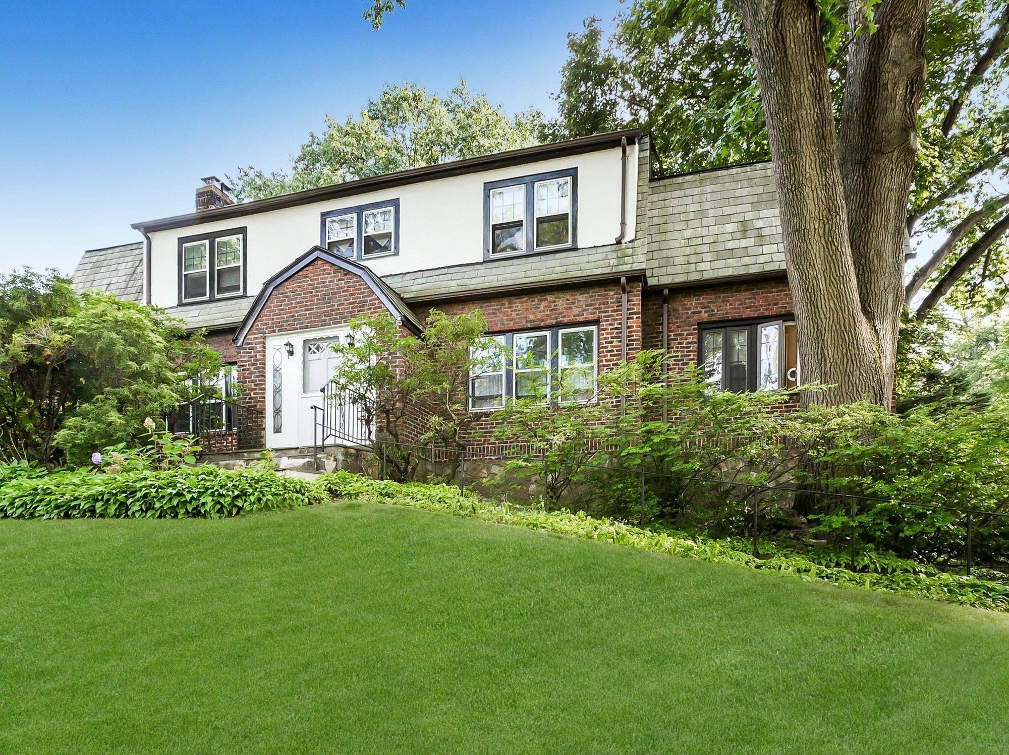 House in Village of Pelham, New York, United States 1