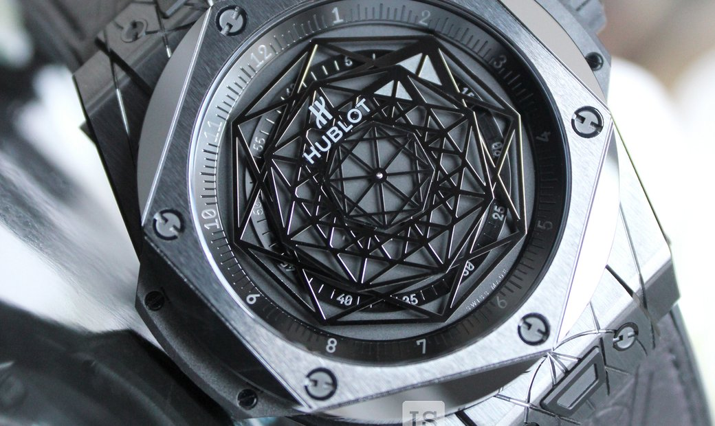 Hublot Big Bang Sang Bleu Black Ceramic 	415.CX.1114.VR.MXM17