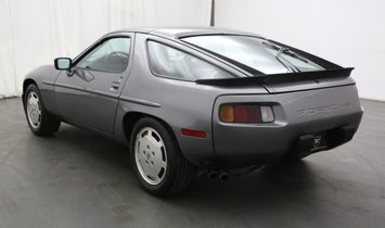 Porsche 928S