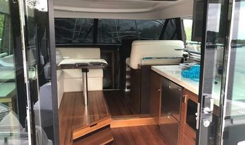 Tiara Yachts 44 Coupe