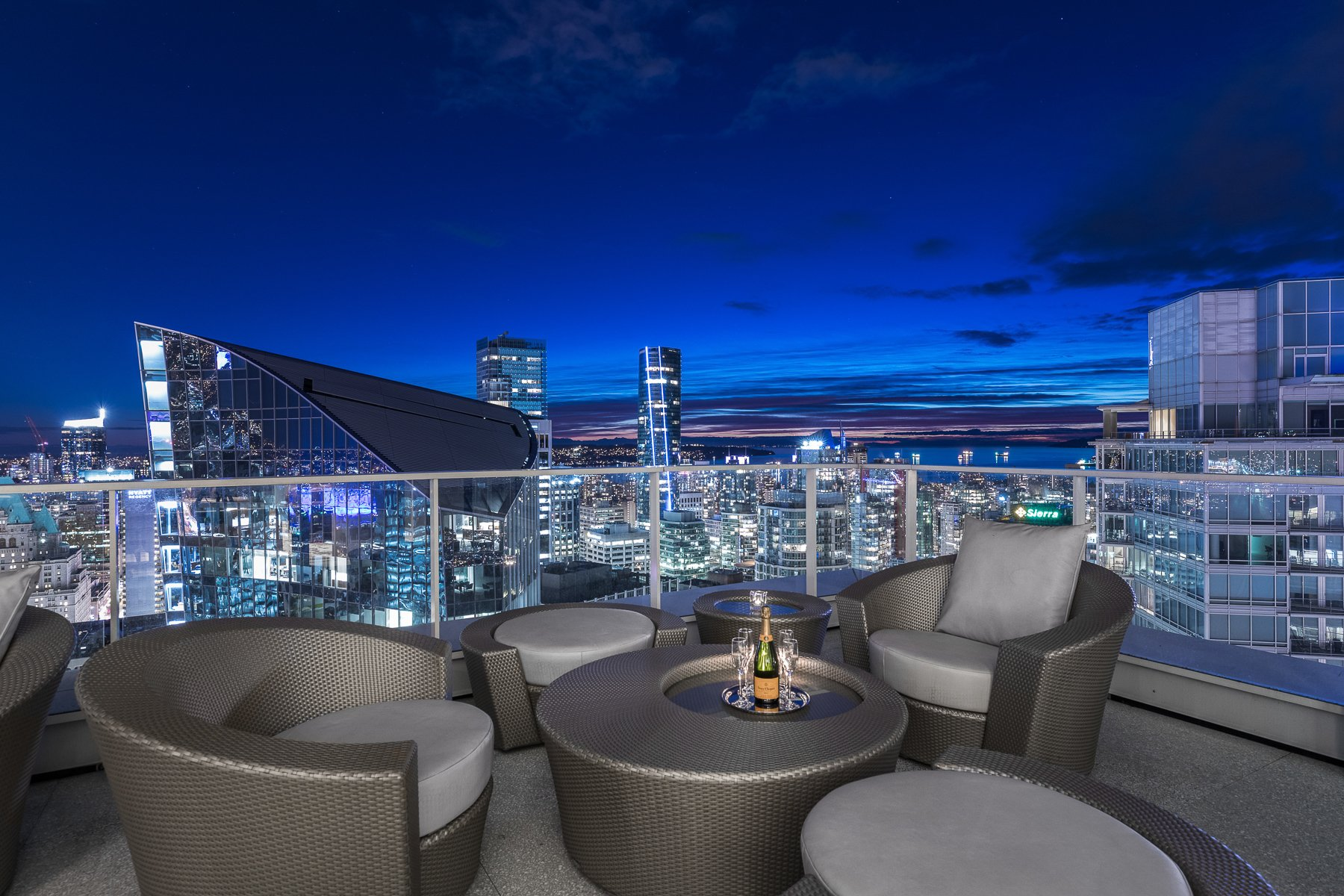 Penthouse in Vancouver, British Columbia, Canada 1 - 11114087