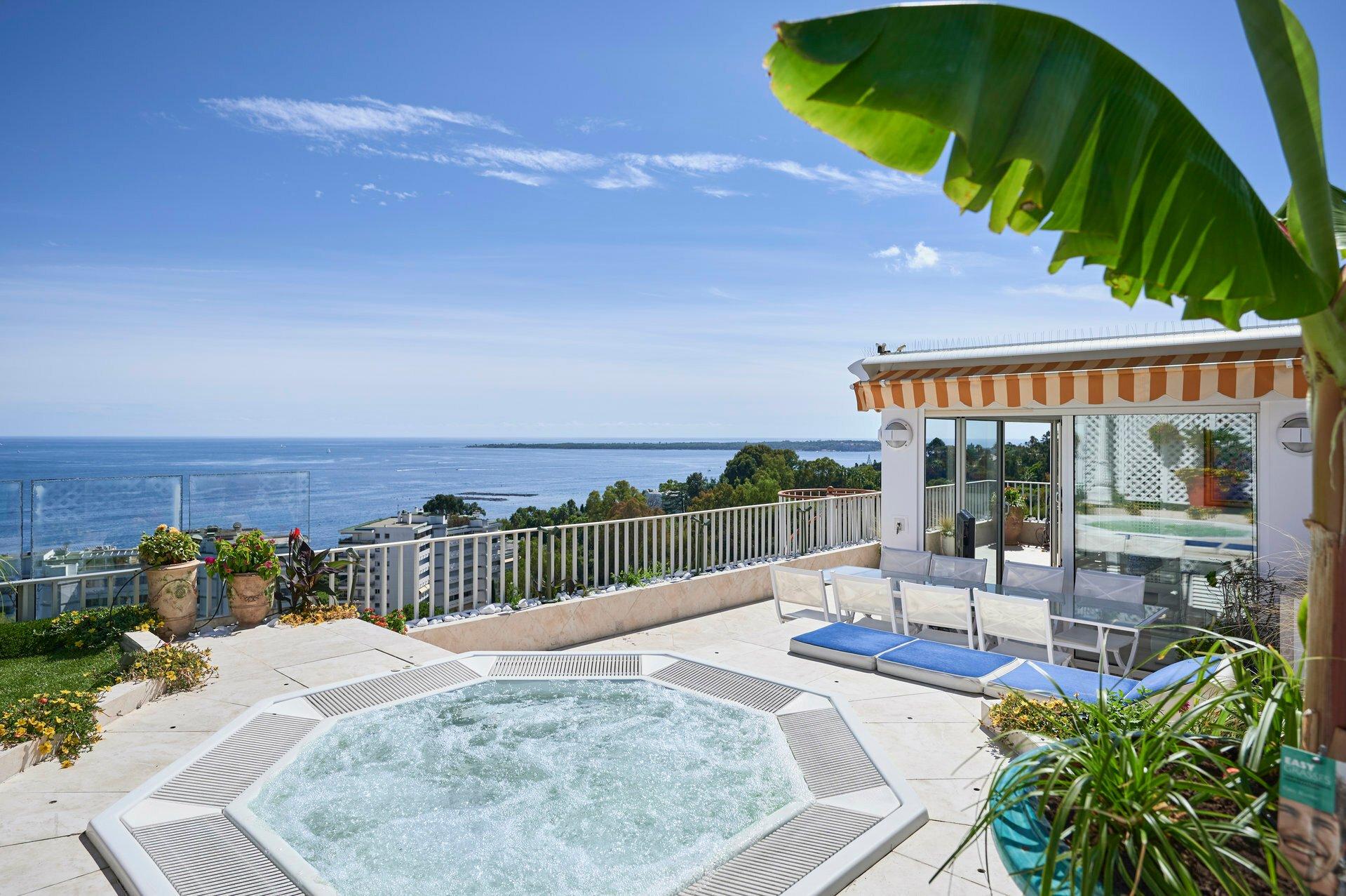 Apartment in Golfe-Juan, Provence-Alpes-Côte d'Azur, France 1