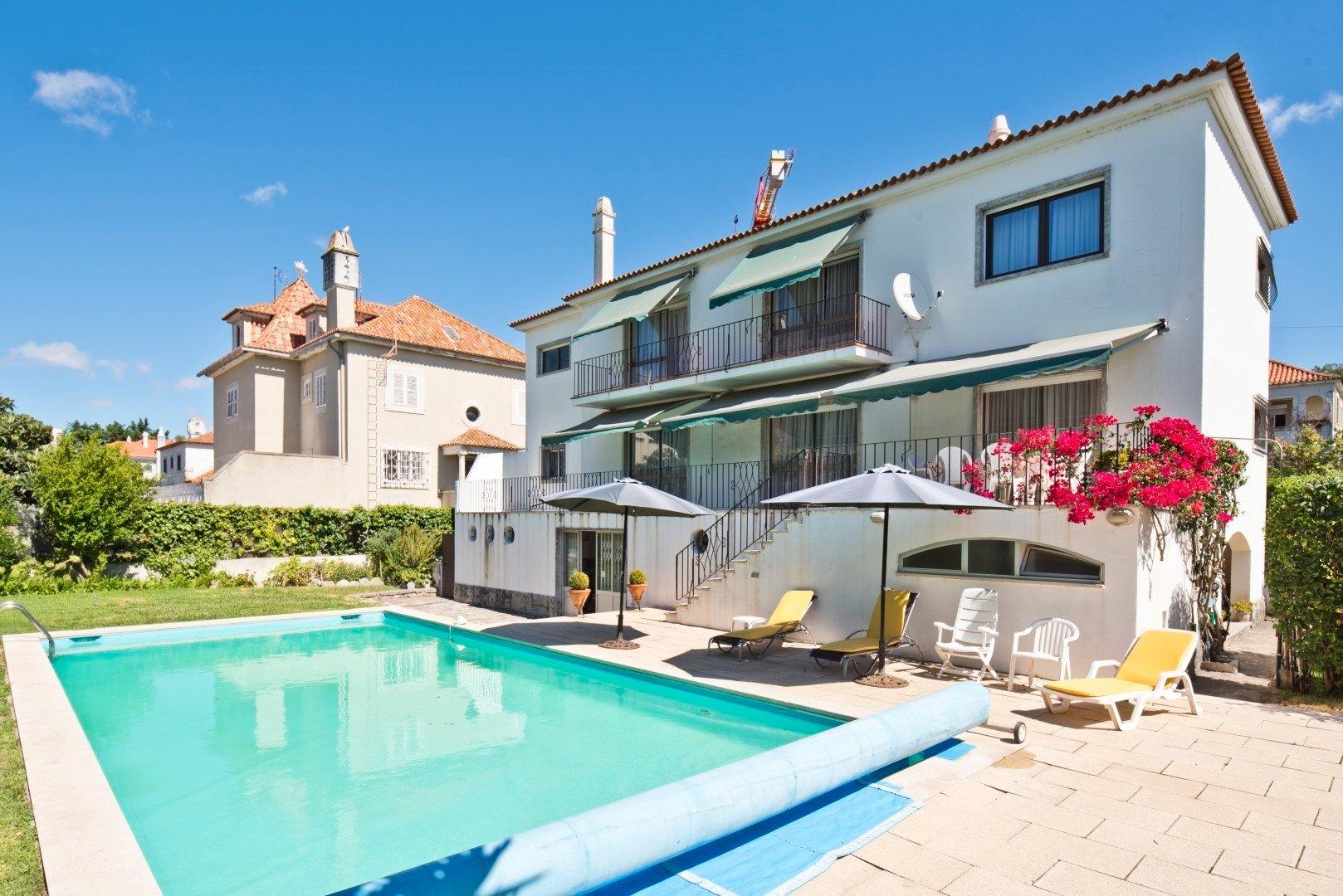 Villa in Lisbon, Portugal 1