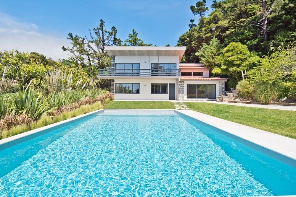Villa in Almargem do Bispo, Lisbon, Portugal 1