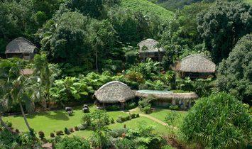 Haus in Pirae, Inseln über dem Winde, Französisch-Polynesien 1
