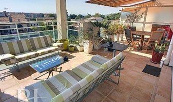 Appartamento a Antibes, Provenza-Alpi-Costa Azzurra, Francia 1