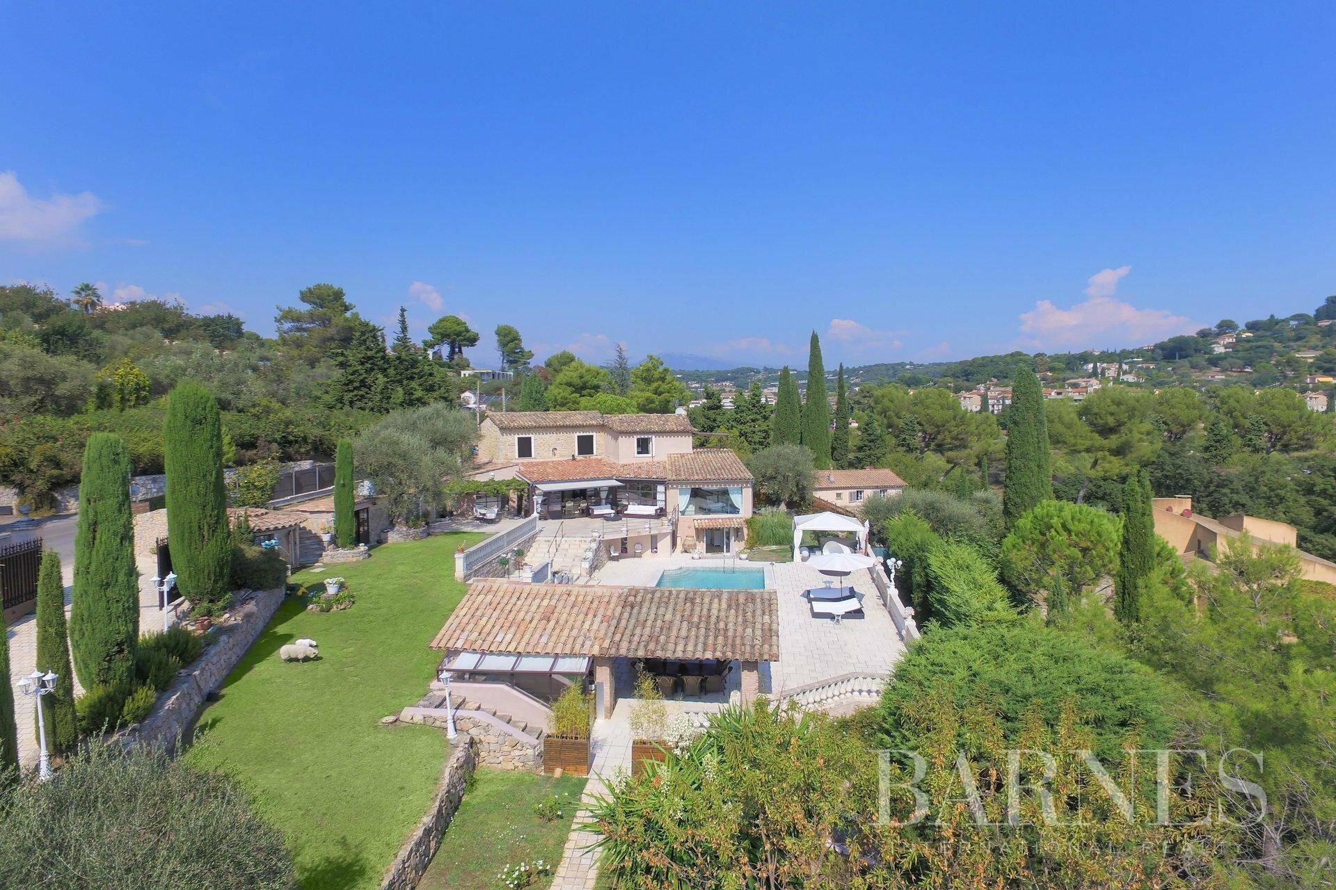 House in Mougins, Provence-Alpes-Côte d'Azur, France 1 - 10872829