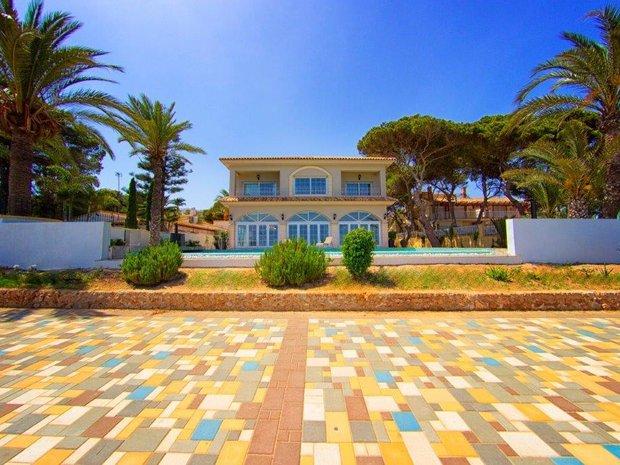 Villa in Punta Prima, Valencian Community, Spain 1