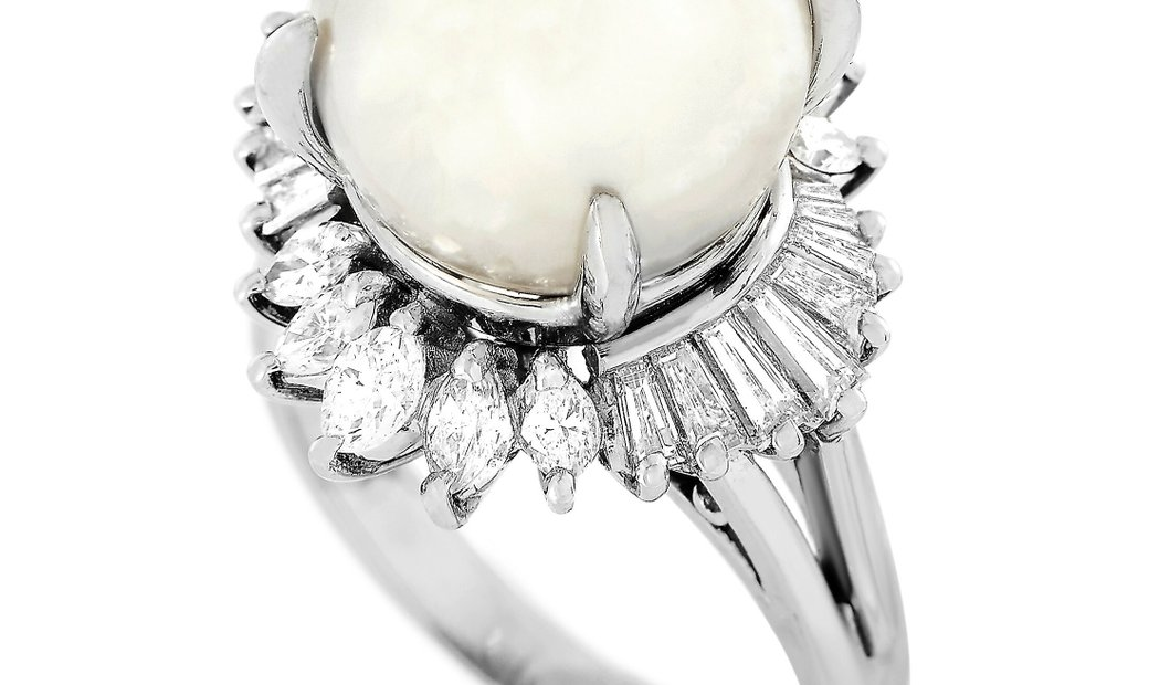 Mikimoto Mikimoto Platinum 1.06 ct Diamond and White Pearl Ring