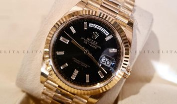 Rolex Day-Date 40 228238-0004 18Ct Yellow Gold Diamond Set Black Dial