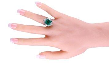 LB Exclusive LB Exclusive Platinum 0.91 ct Diamond and Emerald Ring