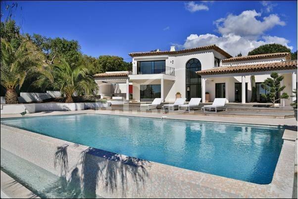 Villa in Grimaud, Provence-Alpes-Côte d'Azur, France 1